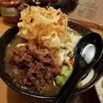 五葵 - 吉田の温うどん+かき揚げ+馬肉