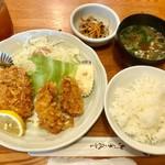 うえ田 - カキフライ・ヒレカツ定食900円(税込)