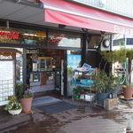 エフカイビーチ - 店頭です、軽食とドリンク・ソフトクリームなどが販売されています