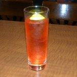 バー アトム - この春の一押しカクテル。『赤い彗星』こと赤いレモンスカッシュ。