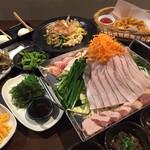 おきなわんふ~ど ゆんたく - 料理写真:ちりとり鍋コース