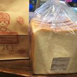 76605214 - 天然酵母バターミルク食パン