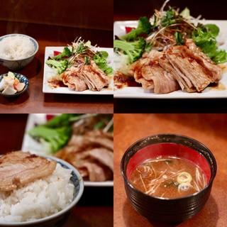 味乃にしき 伏見店 - 豚ロース生姜焼定食