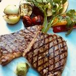 森の中のお肉レストラン アースガーデン - 遠州 夢咲牛 A5ランクサーロインステーキ