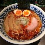 九段 斑鳩 - 煮玉子旨辛濃厚らー麺