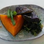 大平食堂 - 煮野菜の盛り合わせです。