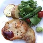 森の中のお肉レストラン アースガーデン - 六白黒豚 ロースソテー
