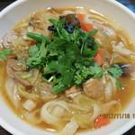 XI'AN刀削麺 - あっさりスープの野菜麺(素菜刀削麺)