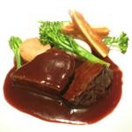 76621252 - 和牛ほほ肉のブレゼ 赤ワインとコニャックのソース さつま芋のチェロス
