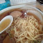 大勝軒 - 麺・クローズアップ
