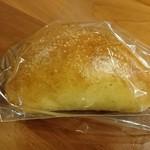 森のパン屋 花穂 - リンゴクリームパン