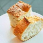 76623512 - ランチセット 1296円 のパン2種類