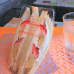 パニーノ  - 料理写真:イチゴバナナ