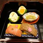 76628468 - 寿司屋より美味しい戸井のマグロ鮨とステーキ屋より美味しい能登牛スモークの鮨(絶品)
