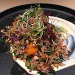 GARDEN HOUSE Shinjuku - 5種の雑穀とブロッコリースプラウト 焼いたビーツのサラダ