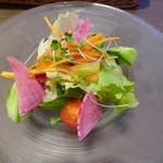 シェフズトライテーブル - グリルランチ(季節のサラダ)