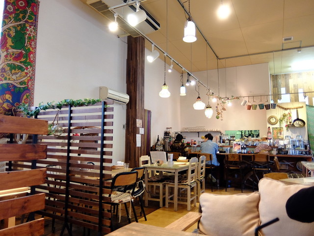 エスニック茶屋&Wood Craft Rabulan ラブラン>