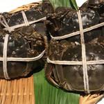 新世界菜館 - 上海蟹蒸される前に見せてもらえます