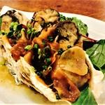 サンマロ - 牡蠣とニンニクのアヒージョです。当店自慢の一品