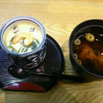 寿司丸忠 - 付いている茶碗蒸しと赤だし