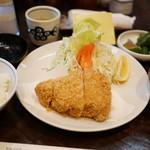 丸五 - 特ロースかつ定食(1850円)のセット(+450円)