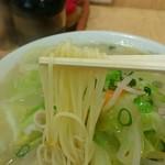 清龍 - 細打ちの蒸し麺を使用