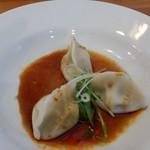 担々麺 蜀香 - この紅油水餃子もいいです。