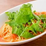Restaurant & Bar Mashu - フレッシュトマトとルッコラの生パスタ