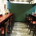 神戸製麺 - 内観:カウンター席
