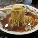 中嶋 - 新村製麺の中太麺