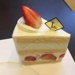 76667152 - ショートケーキ