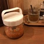 鶏ポタラーメンTHANK - 味変 カレースパイスと自家製ピクルス