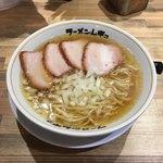 ラーメンムギュ - 料理写真:しろ  ¥750