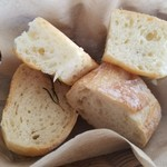 76673343 - 自家製のパン