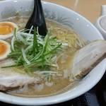 ラーメン純水 - 料理写真:純水味噌(税込750円)味玉トッピング+割りスープ