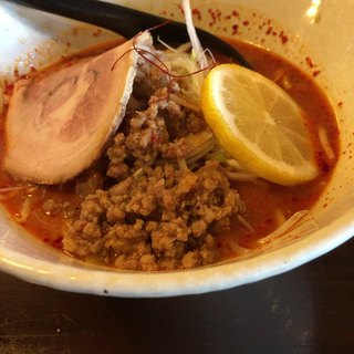 ら麺はちに - 料理写真:火山ラーメン(激辛) 850円(税込)