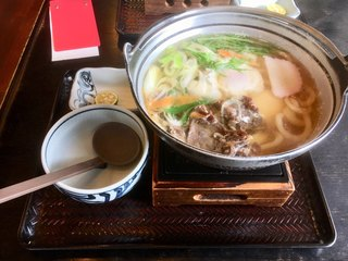 かわたうどん - 牛鍋焼きうどん880円