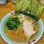 76677425 - ラーメン680円麺硬め。