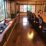 呉山飛天 - 大長テーブルは14人席