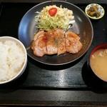 肉十八番食堂 - ポークジンジャー定食