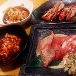 全品298円 焼肉 食肉卸 卸や 肉八 -