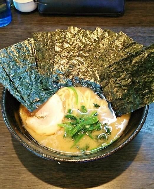 蔵前家 - ラーメン700円。麺硬め。海苔増し100円。