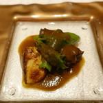 レジーナ イタリアーナ - フォアグラのポワレを乗せたじっくり低温で煮込んだ「淡路産」牛ホホ肉の赤ワイン煮