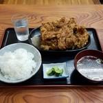76691474 - 日本で3番目にデカ旨い唐揚のお店で「鶏の唐揚定食 (991円)」