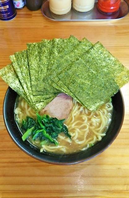 巓 - ラーメン700円麺硬め。海苔増し100円。