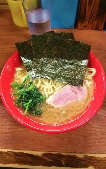 武蔵家 - ラーメン650円麺硬め。