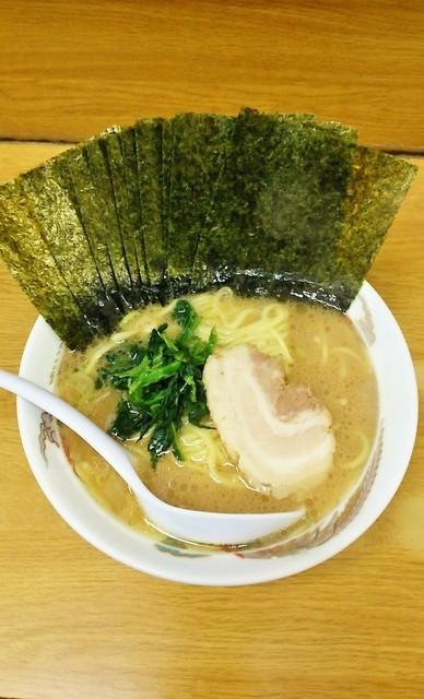たかさご家 日の出町店 - ラーメン650円。麺硬め。海苔増し100円。