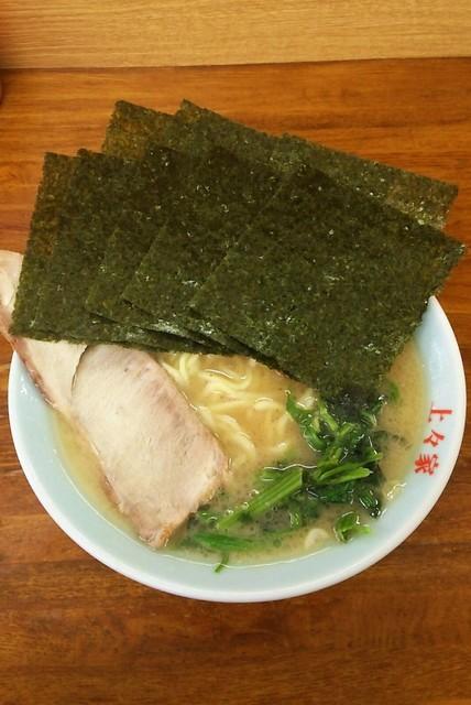 上々家 - ラーメン650円。麺硬め。海苔増し100円。