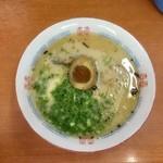 こぶた屋 - 料理写真:とんこつラーメン〜(*^▽^*)