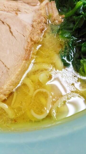 秀吉家 - 鶏油タップリのスープ。